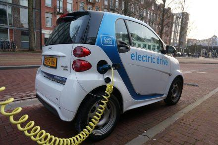 Faut-il investir dans un véhicule électrique en 2021?